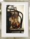 Geige, Stuhl / Radierung im Modellrahmen 1286
